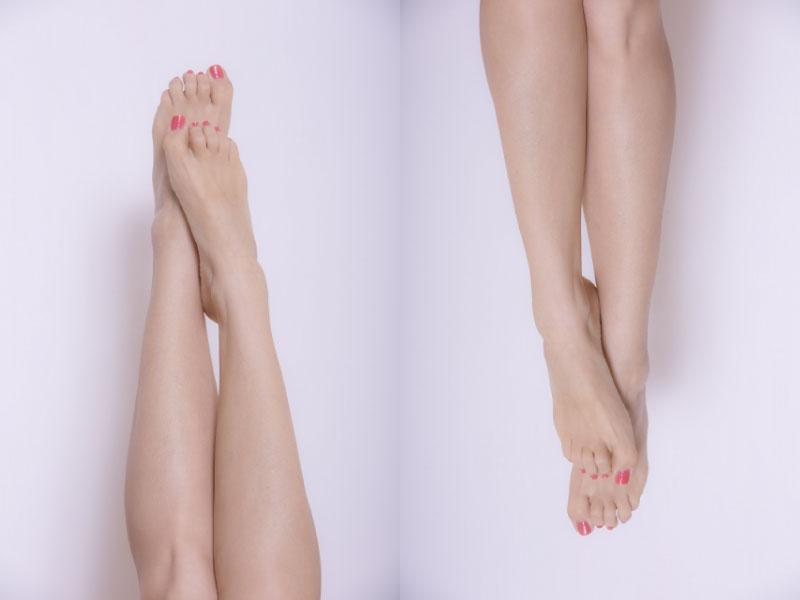 ふくらはぎボトックス注射をイメージした女性の下腿の画像です。ほっそりとしてきれいな足です。